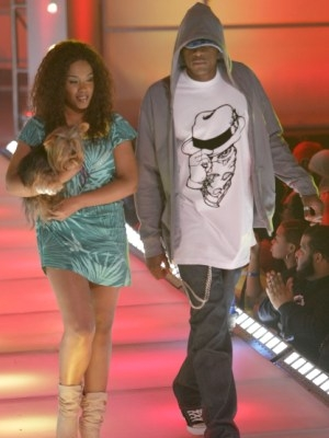"Snoop Dogg's ""Rich N Infamous"" Apparel for Dogs"